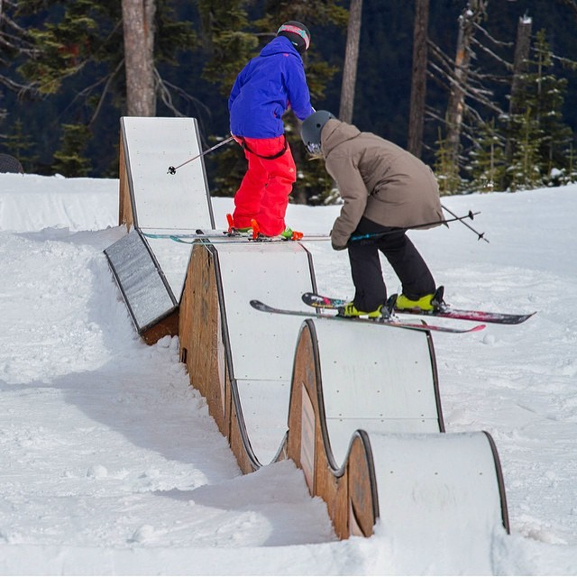 Follow the leader and other fun games @whistlerparks with XS team rider @anna_segal #rollercoaster #rails #moresnow #spring #ski #whistler #xshelmets