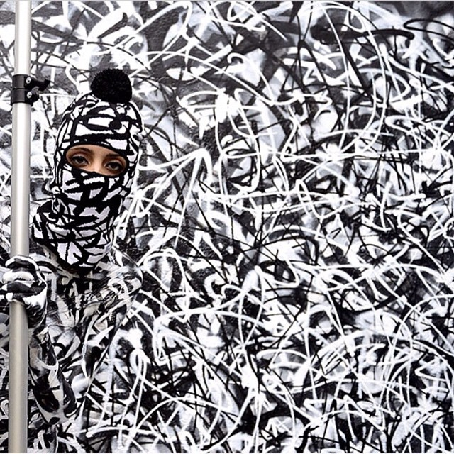 Camouflage by @rafaelsliks in San Paolo, Brasil #awesome #graffiti #streetart #black #white