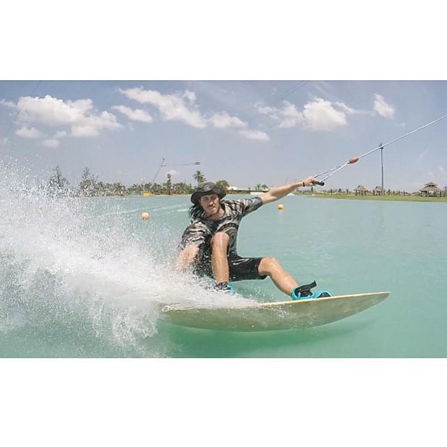 S L A Y S H I N G  around at @cwcwakepark | team rider @wesleymarkjacobsen always keeping it fun! #stzlife #keepitfun #stayoutside #wakeboard #professionaloutsider #rocketboard