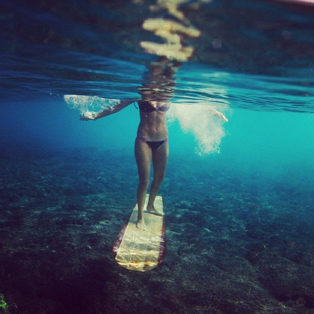 Lets go surfing now, everybody's learning how (to ride an Alaia;-) @odinasurf @sustainsurf @hisarahlee photo @paddlehawaii #ecoboard