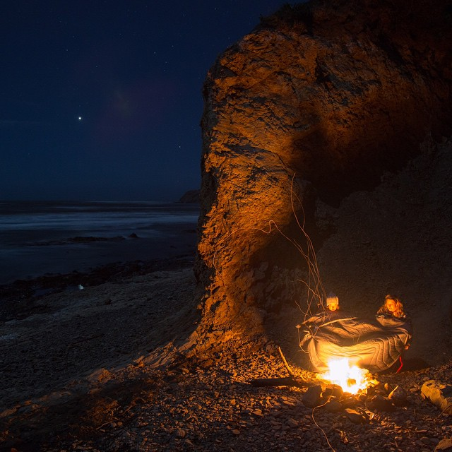 @thebusandus scores a nice little shelter for a beach fire. Tag your best beach fire buddy!