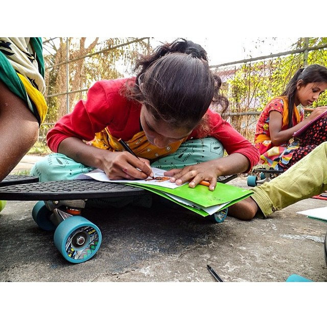 Innovating in Bangladesh. Turning nets to decks to desks with @hopevenessa and the young skaters of @coxsbazarlifesavingsurfclub. #NetsToDecks #MakeWaves