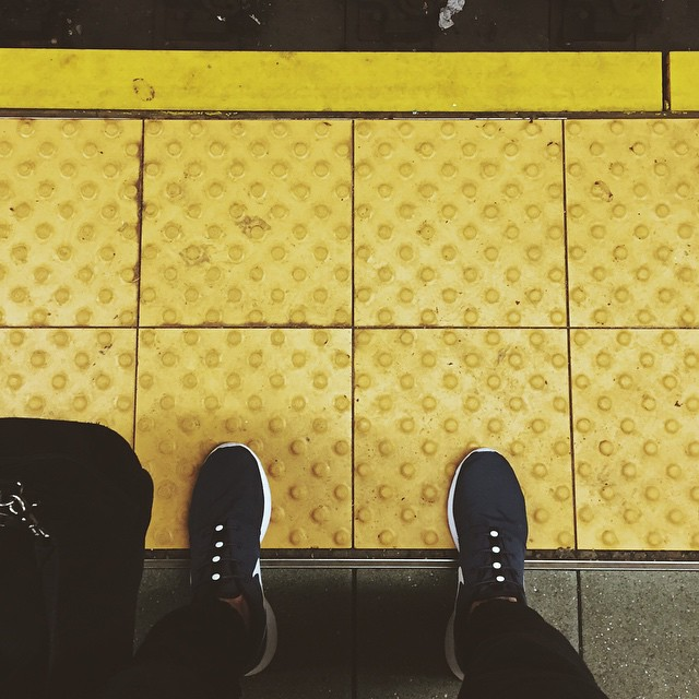 Dotted lines. Photo courtesy of @stylebytone #lacesoutHICKIESin