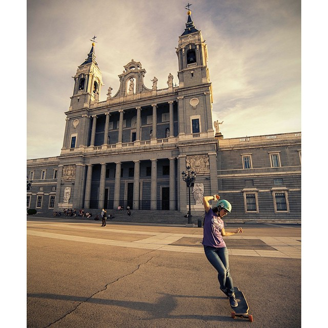 @valeriakechichian testing the new LGC Board in Madrid shot by @noelia_otegui.  These are some of the shops where you can get it:  Cologne: @concretewave_skateshop  Munich: #bonelesslongboards Hamburg: @mantislongboardshop  Hannover: @titushannover...