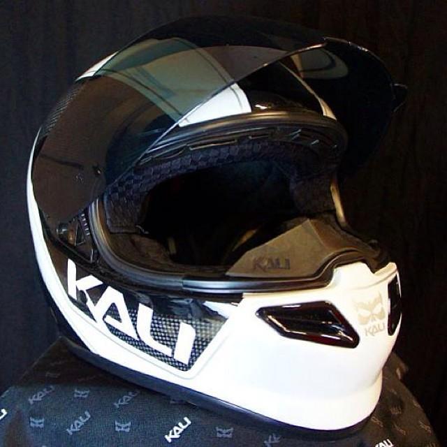 Great review on Kali's NAZA Carbon Lightness helmet @EatSleepRide! #kali #kalipro #kaliprotective #kaligear #kalihelmet #nazacarbon #lightness #compositefusionplus #carbon #review #eatsleepride