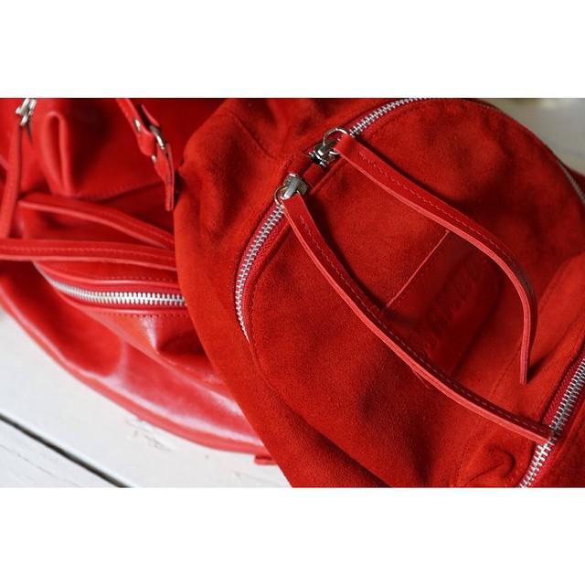 Mini Navajas roja | gamuza y cuero | en todos los locales