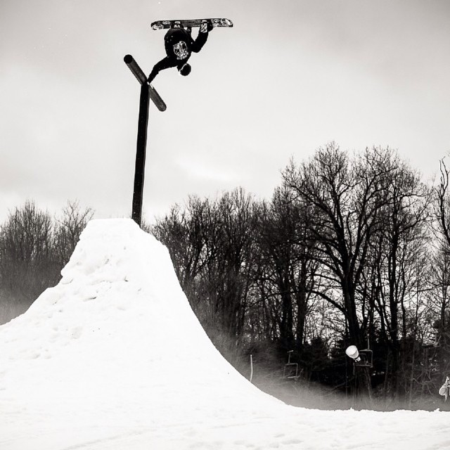 #regram from @snowboardermag of #fluxbindings rider @scottyvine sending a plant to the top of the @borealmtn hitching post at #superpark19.  Photo by: @e_stone