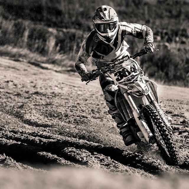 Not sure where this was but who cares! @barnettmxphotography making sick photos everywhere! @wolftrainingacademy #wolftrainingacademy @whatthefett #moto #motocross #happiness @aticlothing #aspiretoinspire #atifamily #atimoto