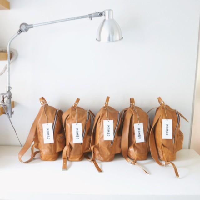 Vuelven las clásicas mini navajas suela / 100% cuero #mambobackpacks #mambomochilas