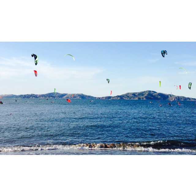 Every Thursday the Bay becomes even nicer // #kite race in San Francisco . #takealook