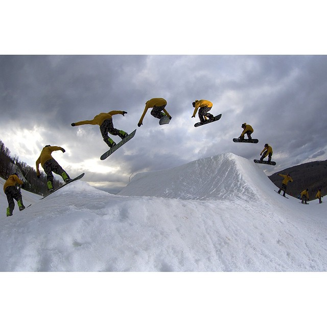 #Superpark19 is a wrap. Great time on the east coast @ride7springs with the whole @snowboardermag community. One more sequence shot of @jeremycloutier |