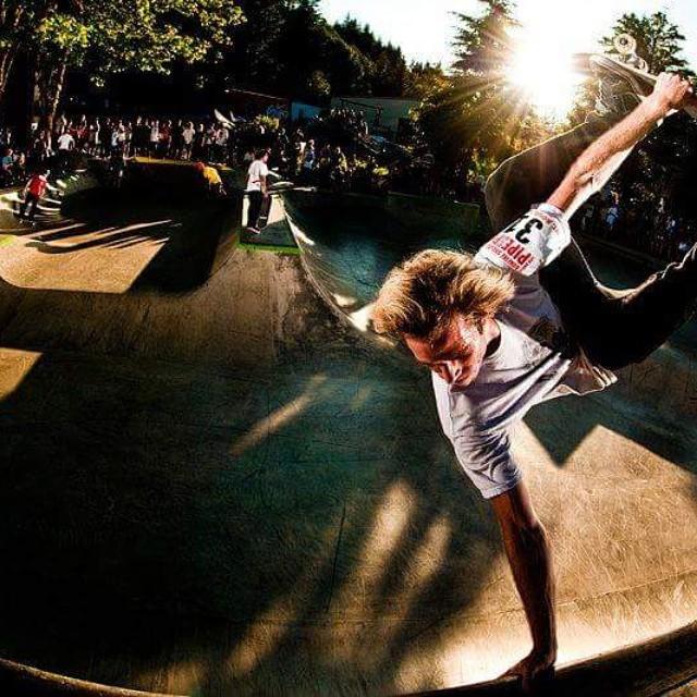 Sick shot of a #pnw #rider #revbalance #findyourbalance #boardsports #skateboarding #skate #skatelife #skater #halfpipe