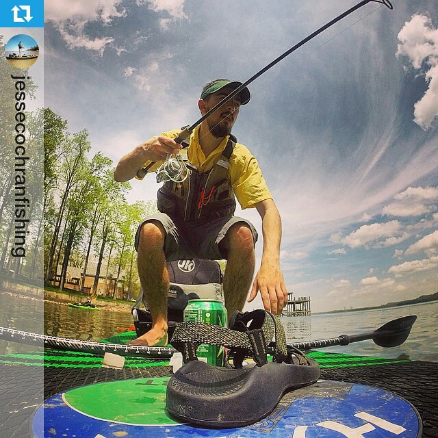 #Repost from @jessecochranfishing ・・・ That moment when you see a largemouth and jump to your feet to cast! @templeforkoutfitters @mayflycoffee @rockcreekgear @accentpaddles @yakattack.us @halagearsup #SUP #fishing #hala #paddle #sky