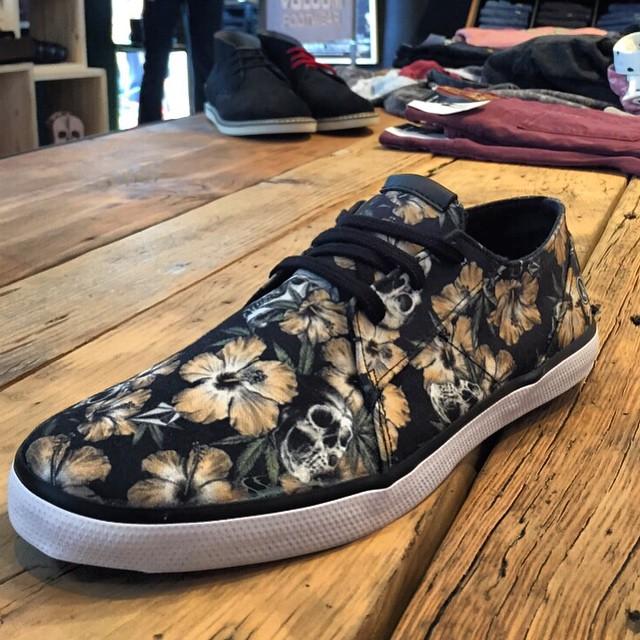 Llegaron! #volcomLoFi #Skull #Volcomfootwear #Aw15 #TrueToThis en todos nuestros #VolcomStores