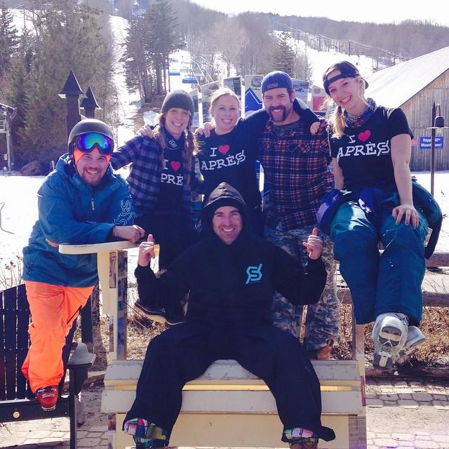 #iloveapres #JustSendIt #mountsnow #winterfamily @mountsnow @zayjmad191 @kateemcneil @hollymkey @meeesheyperks @perkswerks #skiing #snowboarding #endlesswinter #springskiing #sunny #skifamily #bluebird #apres #imkindofabigdill