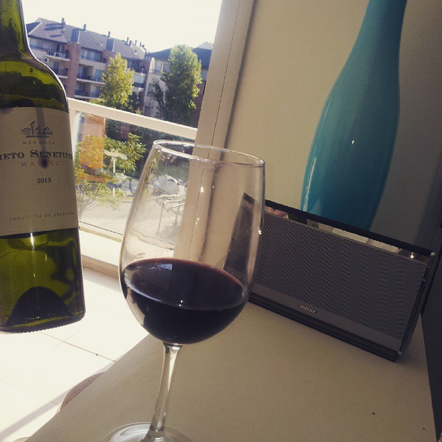 Quien se ha tomado todo el vino?oh oh oh oh buen viernesssssssss #nietoSenetiner #malbec  #home #wine #finish