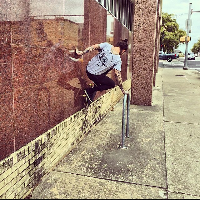 @cjlinde666 Hand plant Spider-Man's a wall in Houston, Texas. Photo: @photo_vader