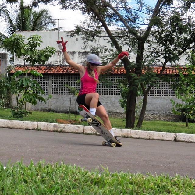 LGC Brasil rider @lavenere. Style!  #longboarding #womensupportingwomen #girlswhoshred #brasil #brazil