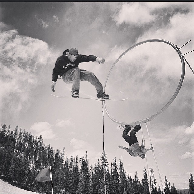 @skoobacheewa laying one out at the #HighNoonDual @winterparkresort  while @schmuckbucket lines up through the hoop. Another dope photo from @wpsnowbum these guys have have waaay too much fun when they strap in. #forridersbyriders #handmadelaketahoe...