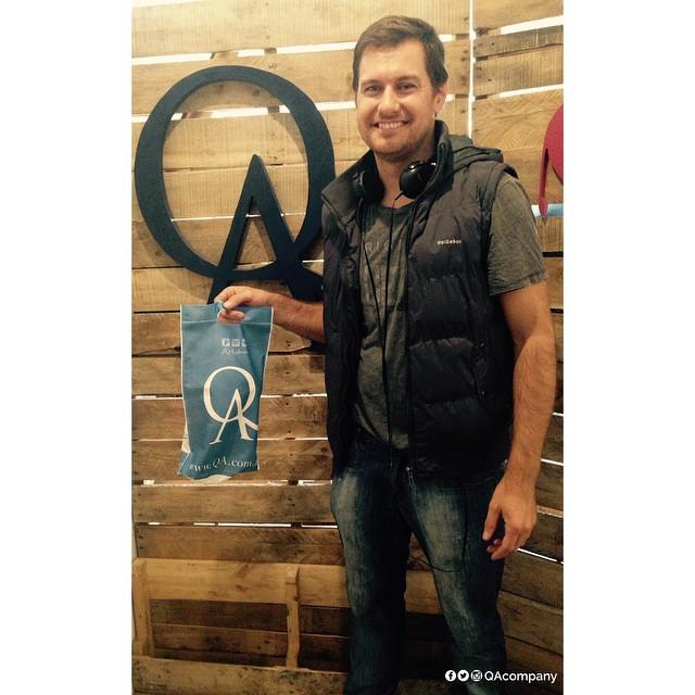 Nos visitó el primer cliente QA y descubrimos que tenemos la misma Actitud de siempre. #ActitudQA #QuienSabeDeActitud www.QA.com.ar
