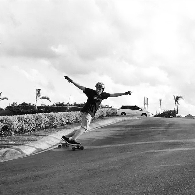 @mikesosuachitos black and white scent spreading #keepitholesom #delpatiolongboarding