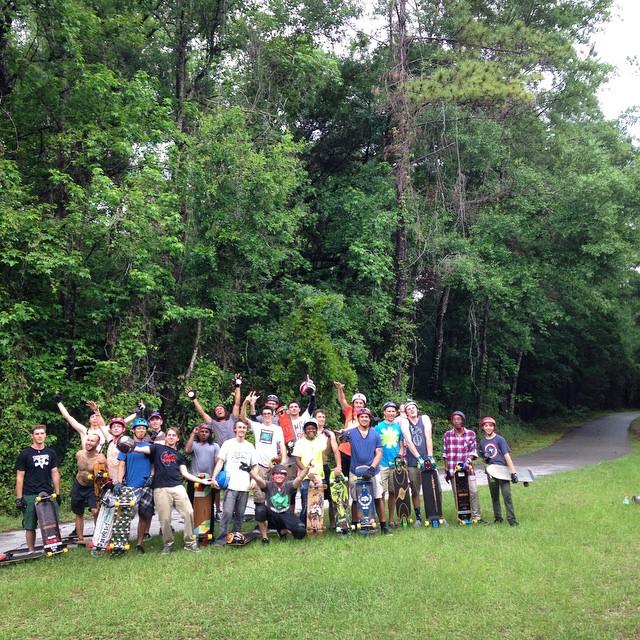 Hot and slippery push down the Gainesville Trail with @freeridesurfandskate! #LoadedFLTour @whoisadamcolton @kylechin #LoadedShopTour #LoadedCollegeTour #loadedboards #orangatang #orangatangwheels