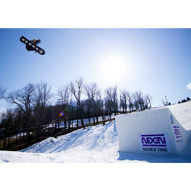 #FluxBindings rider @shr3dmambaaaa came out with a siiiick photo in the daily recap on the @SnowboarderMag site from #Superpark19