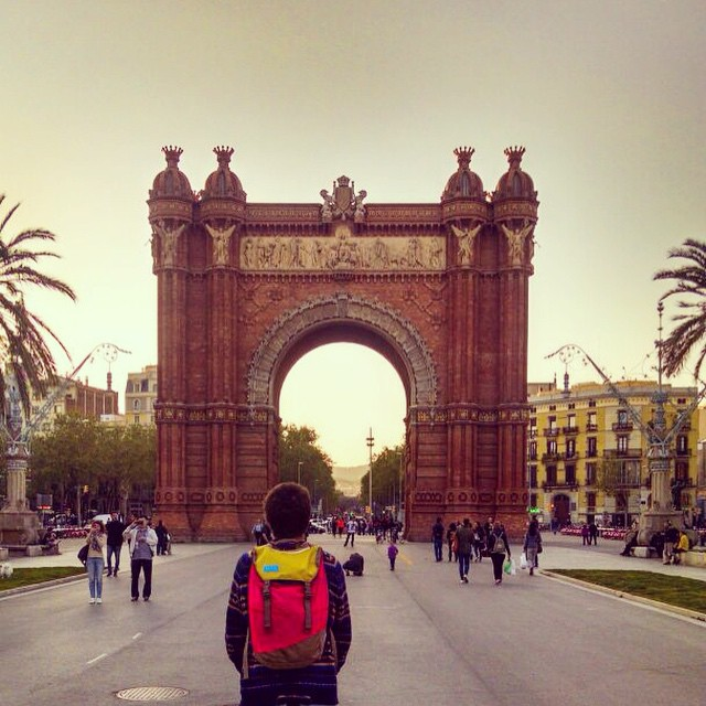 #worldtour Stop2 // #Barcelona . #discoverpack #mafiajoy ^ Arc del Triomf