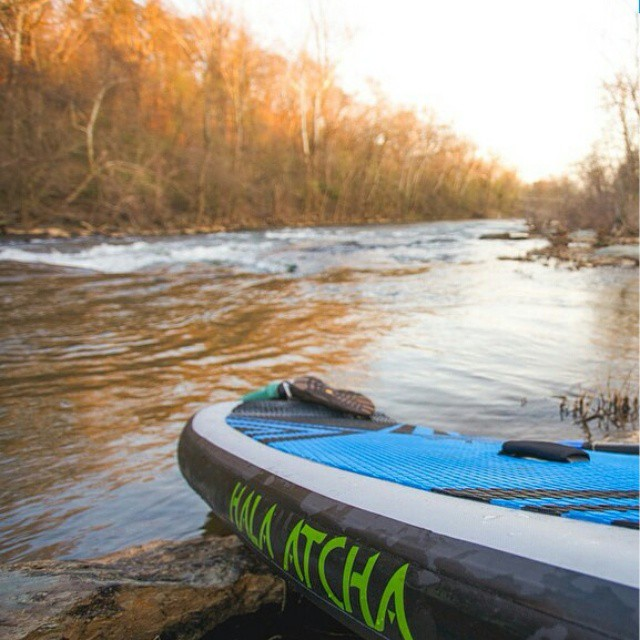 #Repost from @liveoutsideandplay ・・・ Nothing like a little river time to end the day. #liveoutsideandplay #halaatcha #myblueridge #adventuredesigned #whitewaterdesigned #sup