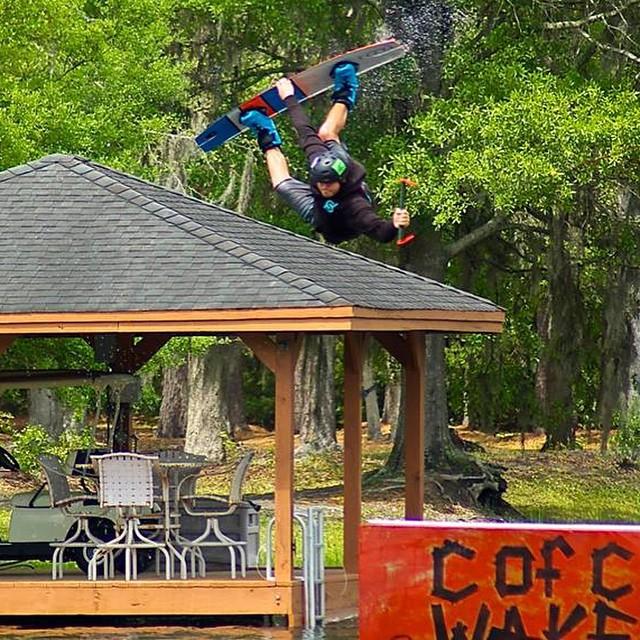 @sch_media rockin a #fulsend #hoodie @trophylakes #cablepark #wakeboard #cablebahn #JustSendIt #lakelife