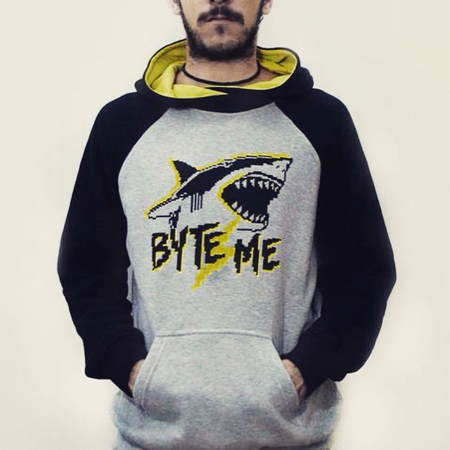 Byte me ⚡️ #shark #hoodie #buzo #boy #design #pixel #pixelart #fashion #cool #black #tiburon