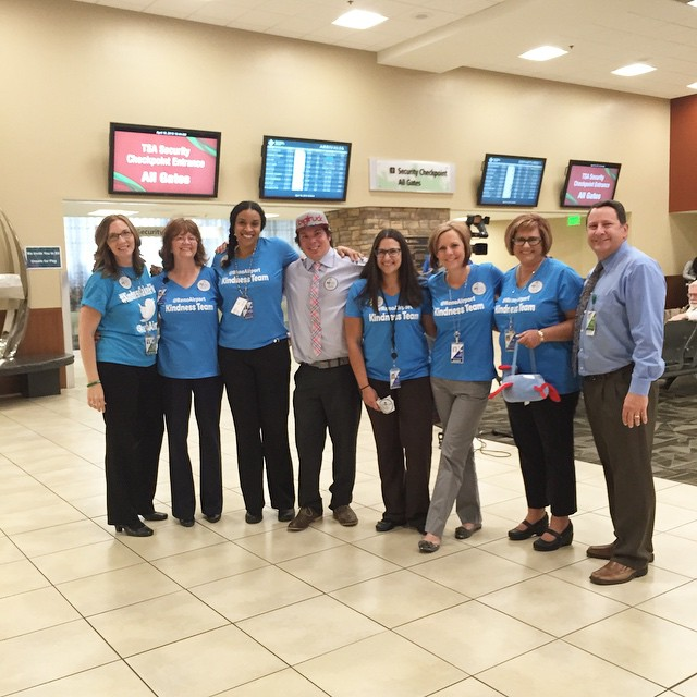 Celebrating #NationalHighFiveDay at the @renoairport w/ their Kindness Team!! #KindnessTakesFlight #NH5D