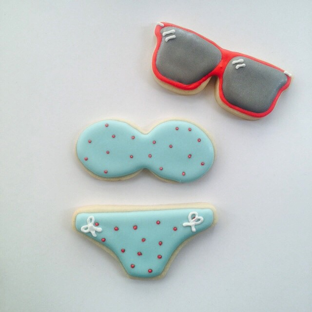 We are pretty much in love with this SF local cookie -maker @xobakes -- thanks for making the most adorbs cookies on the planet.  Only problem is that the mini person under the bikini is bout to be nakey nom nom nom #cookies #eatlocal #bakery #bikini