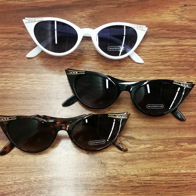 50's Sparkle Sunglasses  #vintagesunglasses #oceanandland #citysunglass #sunglasses #wholesalesunglasses #cateyesunglasses #50's
