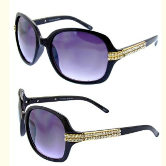 Rhinestone Strip Sunglasses; Get that Elegant and Fashionable look with a pair of these HOT new shades! Purchase now www.citysunglass.com  #oceanandland #wholesalesunglasses #rhinestonesunglasses #fashion #DTLA #fashionsunglasses