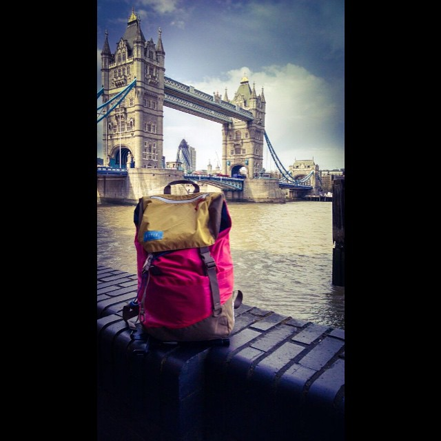 Vol. 3 // #discoverpack around the world. #London. @brancovuko - #staydry