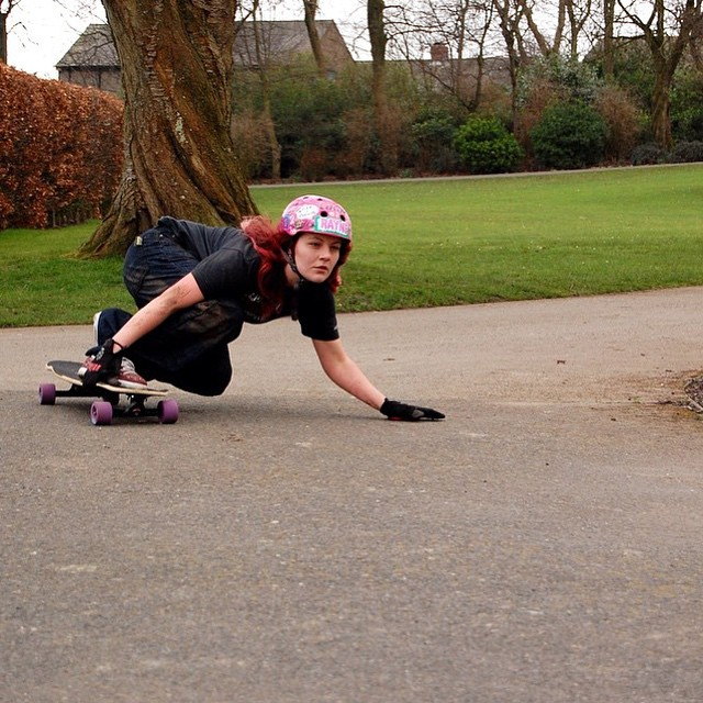 @skatencats turning left somewhere in UK. Have an amazing day family!  #longboardgirlscrew #womensupportingwomen #girlswhoshred