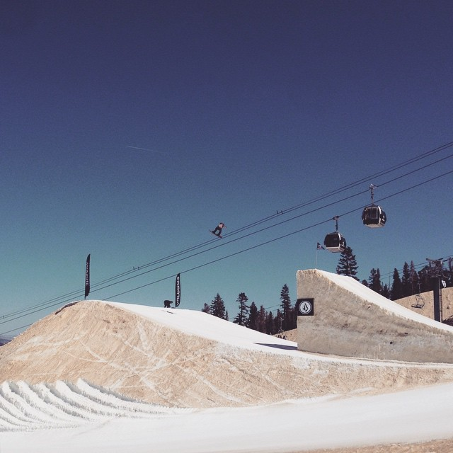 @federomanoo on the high wire #thelaunch #snowboarder @mammothunbound #thriving