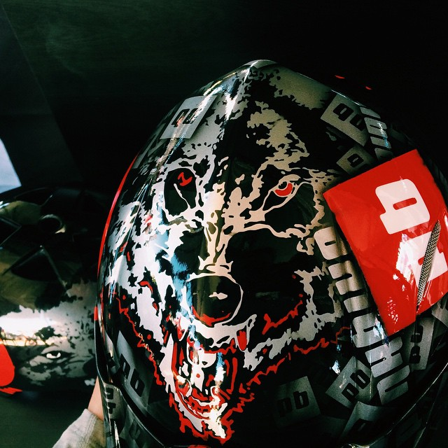 Here's another view of @matt_macduff new custom painted lid. You need to cruise by our Sea Otter booth to really appreciate the artwork!