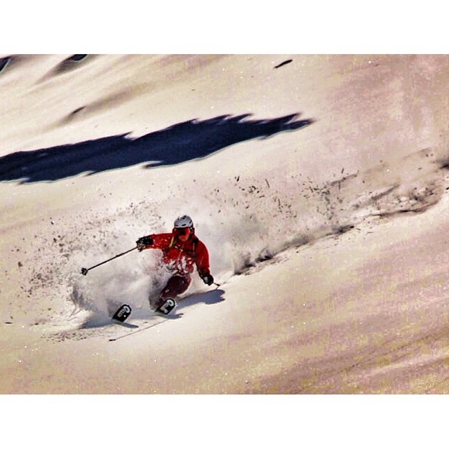 @aspensnowmass got crushed today.  @jaywsss taking advantage of the momentary sunshine in the eye of the storm.