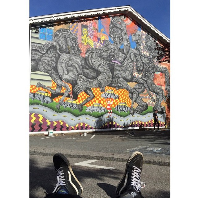 #Sk8Hi y un mural en California intervenido por @zioziegler