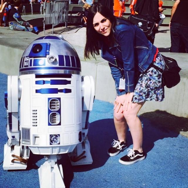 R2-D2 y @fiosargenti domingueando en Anaheim, California. #OldSkool #BeTheOriginal