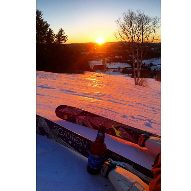 What's a better way to enjoy a sunset? #coalitionsnow #sisterhoodofshred #skiing