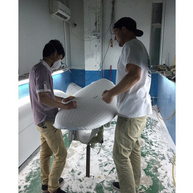 Captain Karr himself teaching one of our shapers in Huizhou a few essential tweaks for our 2016 lineup. These boards are looking insane! #roguesup #sup #shape #art