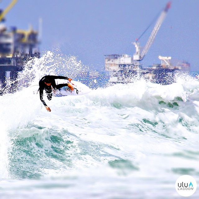Our buddy @nick_molde boosting one in Huntington Beach, CA.  #uluLAGOON #surfshop #surfwax #candles #airfresheners #thebomb #getlifted #backside #steeze