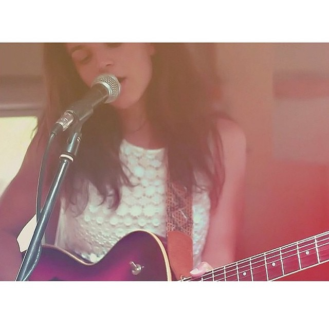 We just discovered the ethereal voice of @jennarus singing in the band @stonefoxmusic . Link in her bio to their new song This City: surf, beach, caravans and travel. Bravo! #girlswhoshred #sun #skate #surf #beach