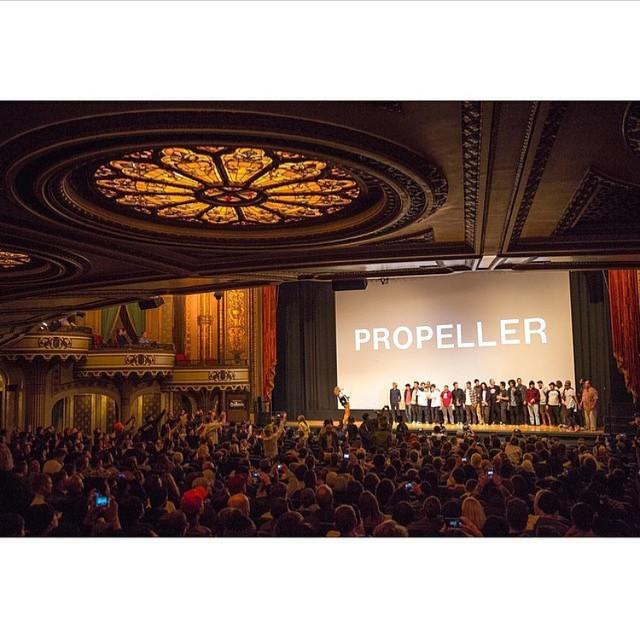 Anoche fue la avant premiere de PROPELLER, la primera película de @vansskate, en el Orpheum Theatre de Los Ángeles. El 29 será en este hemisferio. Amigos, ESTO ES UNA LOCURA TOTAL