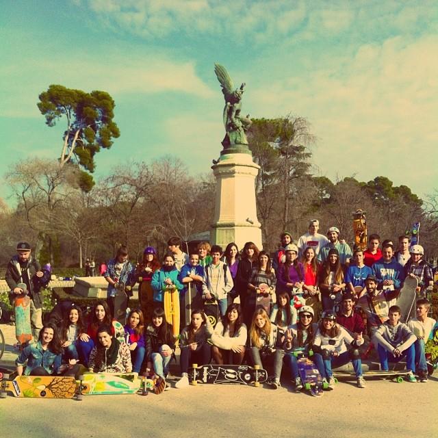 Que gran día pasamos en la quedada organizada por #LongMadGirls en #Madrid! Cada vez somos mas ❤️ Such a great day today in the Long Mad Girls Meet in Madrid. The number of girls keeps getting bigger ❤️ #girlstoke