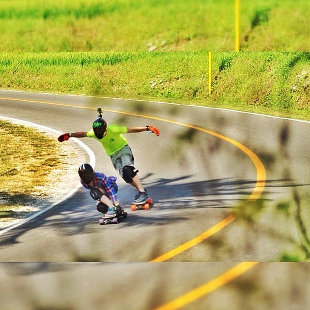 Power couple @tamaraprader & @patrickswitzer doing a run together in The Philippines. Love!! @rbchrstnlm_ photo.  #longboardgirlscrew #womensupportingcouples #girlsandboyswhoshred #tamaraprader #patrickswitzer #vlt2015 #loverun