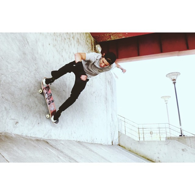 @damianschro with a wall ride.